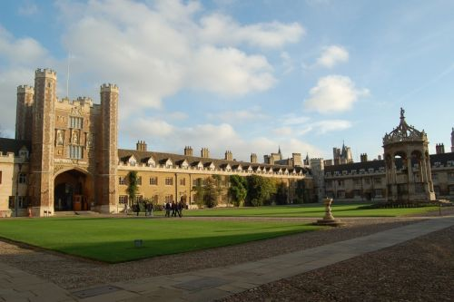 La prestigieuse université de Cambridge prend une mesure radicale