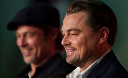 Brad Pitt et Leonardo DiCaprio évoquent tendrement leur co-star disparue, Luke Perry