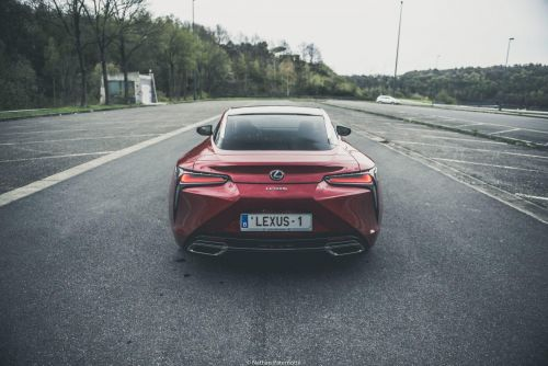 Lexus Europe:  Le cap du million de voitures vendues dépassé !