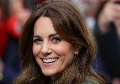 Kate Middleton porte le top Sandro idéal du printemps