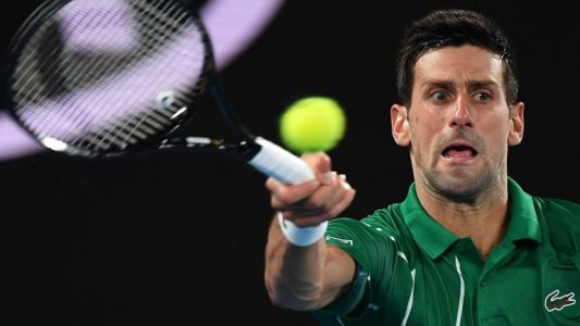 Djokovic lâche un set mais se qualifie pour le 2e tour