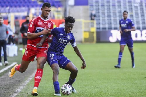 Football: Anderlecht s'incline à domicile contre Courtrai (0-2)