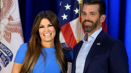 Kimberly Guilfoyle, responsable financement de la campagne de Trump, testée positive au coronavirus