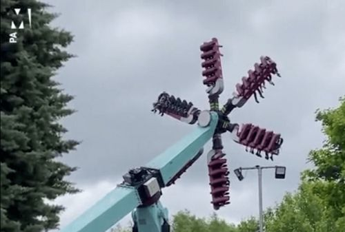 VIDEO. Des personnes suspendues dans le vide durant 20 minutes à cause d'une panne d'attraction