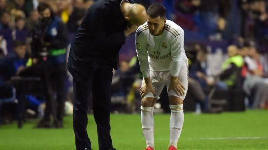 Eden Hazard sort en boitant contre Levante