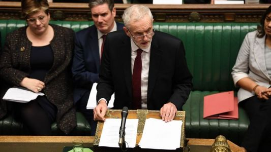 Brexit: le leader du Labour Jeremy Corbyn dépose une motion de féiance contre Theresa May