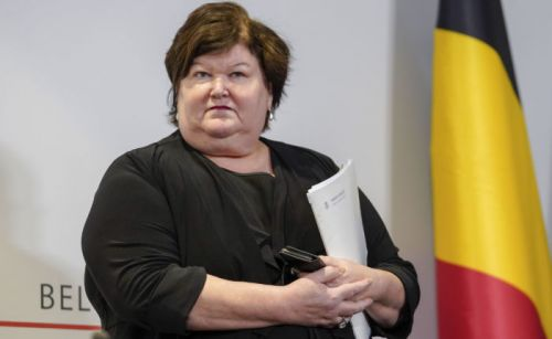 Commande de masques annulée par Maggie De Block:  les documents contredisent la version de la ministre