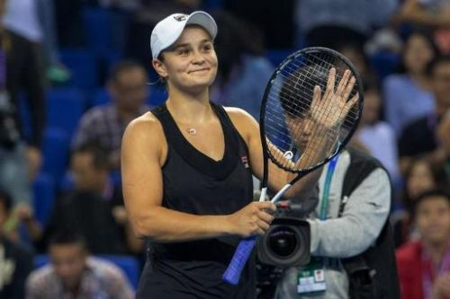 Ashleigh Barty bat Wang Qiang en finale du WTA Elite Trophy