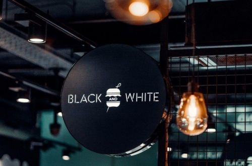 On a testé Black and White Burger, un nouveau resto dans le centre de Bruxelles
