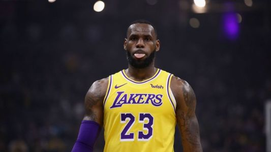 Golden State rate son road-trip texan, LeBron James brille à Miami