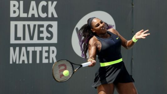 Serena Williams réussit son retour à la compétition, à Lexington